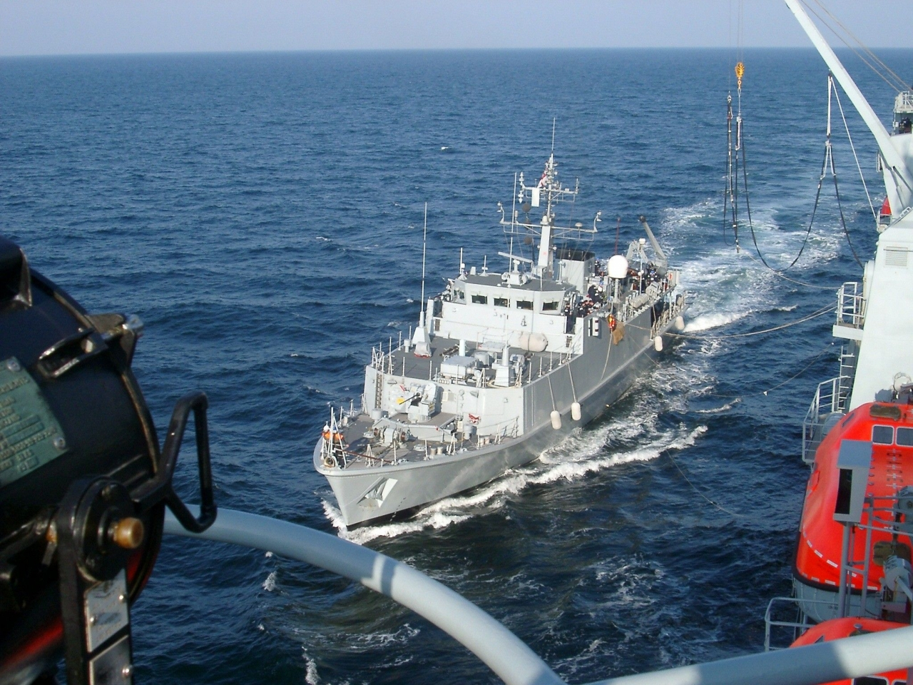 Rams approaching RFA Fort Vic to RAS May 2005