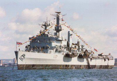 HMS Fearless 84-85