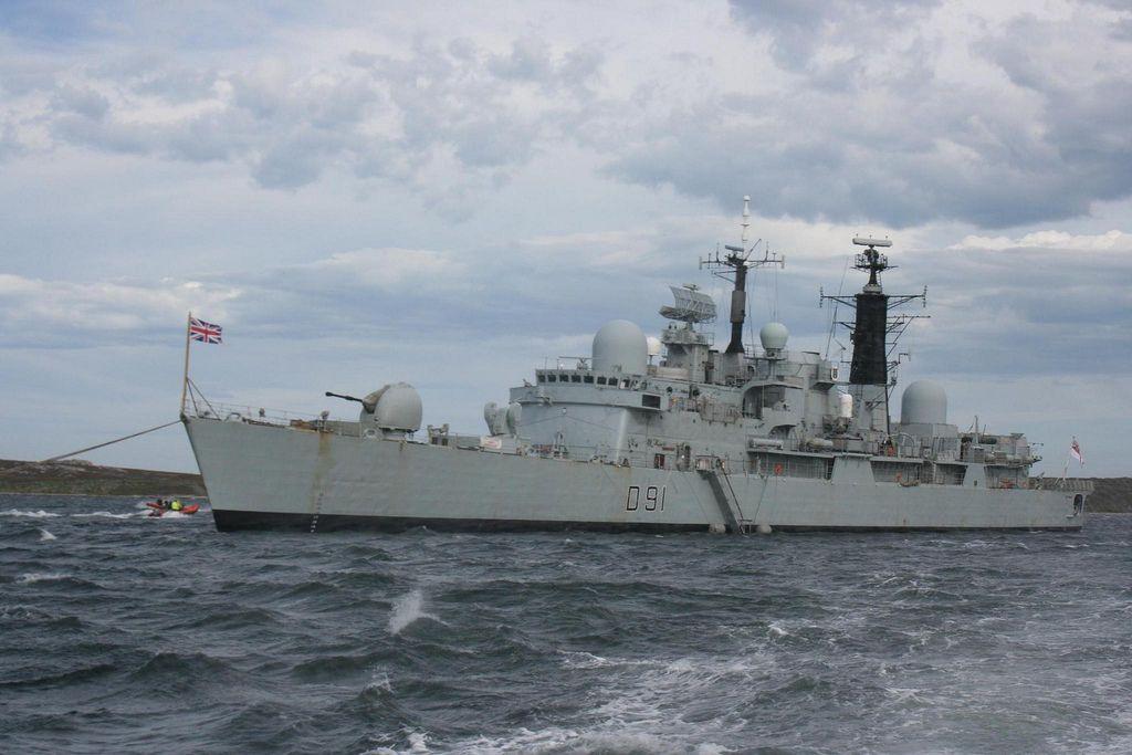 HMS Nottingham in Port William