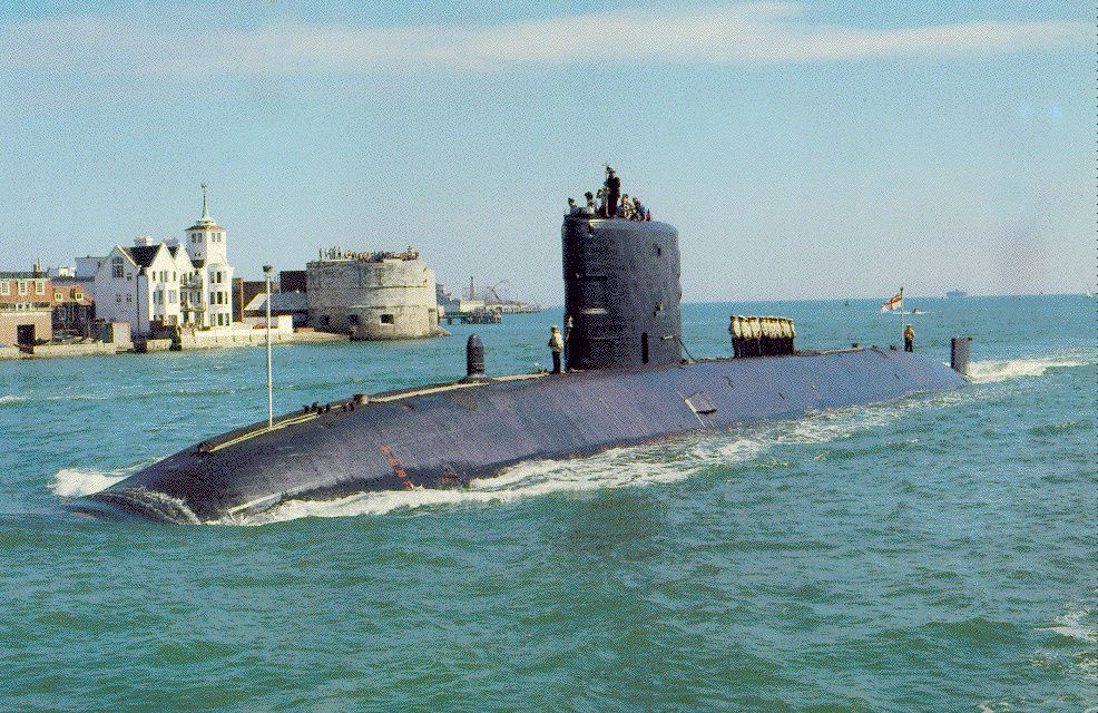 Submarine Superb entering Pompey