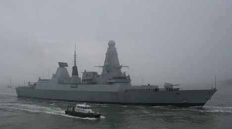 HMS Daring entering Portsmouth 28 Jan 09