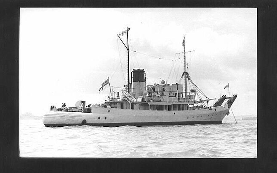 HMS Barnstone