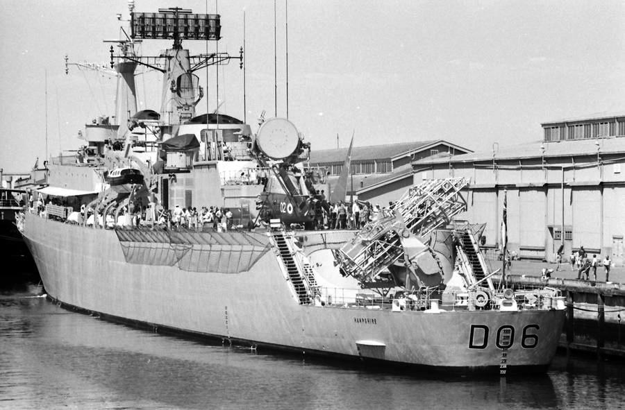 HMS Hampshire D06