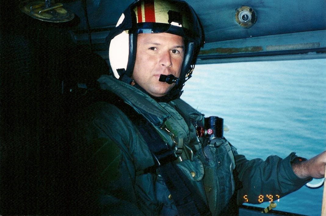 SH-60F Sensor operator 1990