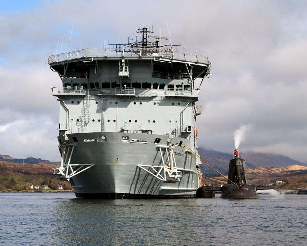 HMS AMBUSH & RFA DILIGENT MANOUVRE TRIAL GARELOCH
