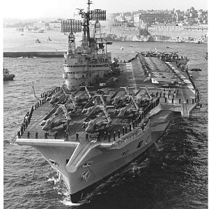 Ark Royal R09